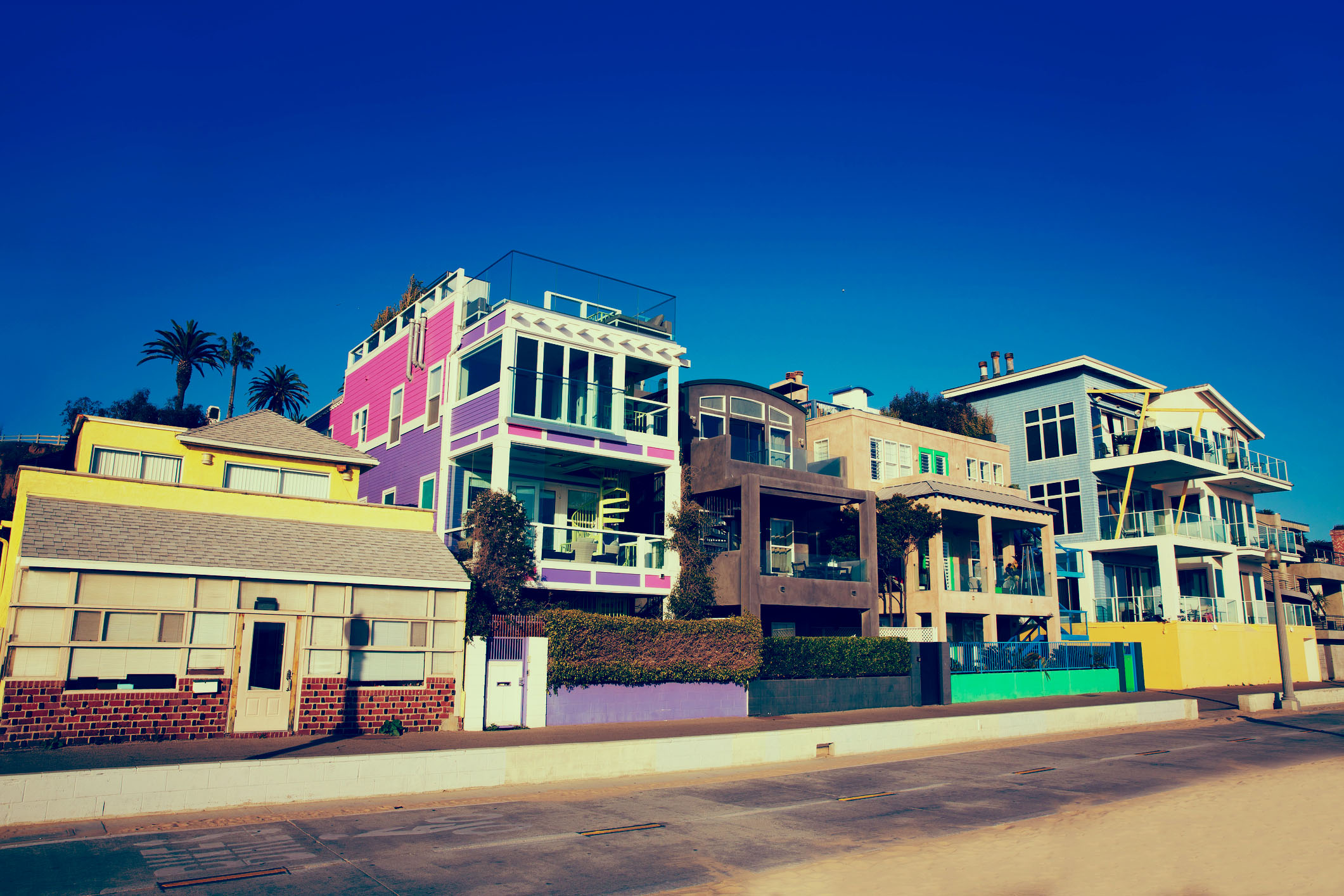 Santa Monica Beach Houses Movers